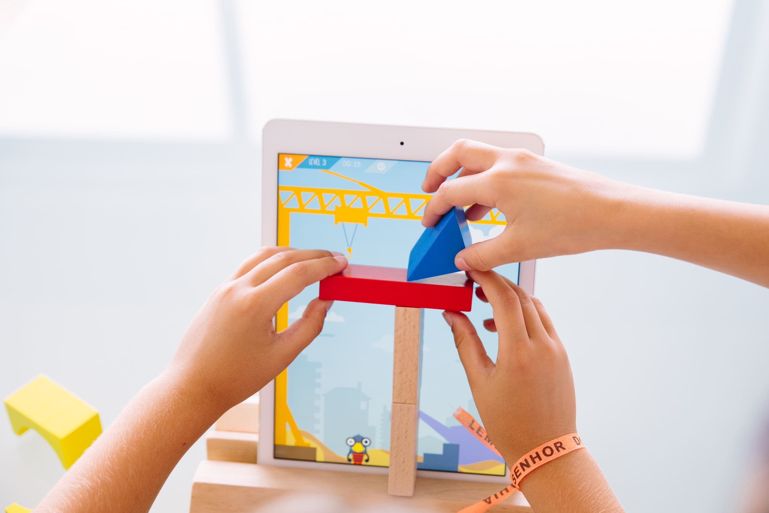 Smart Toy Magik Play Starter Kit | World's First iPad Smart Toy | Magikbee